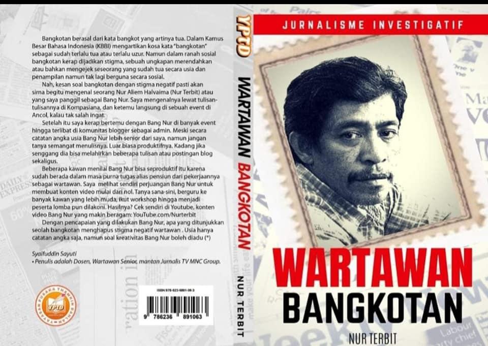 Wartawan Bangkotan di Perpustakaan Nasional Jakarta (foto dok Nur Terbit)